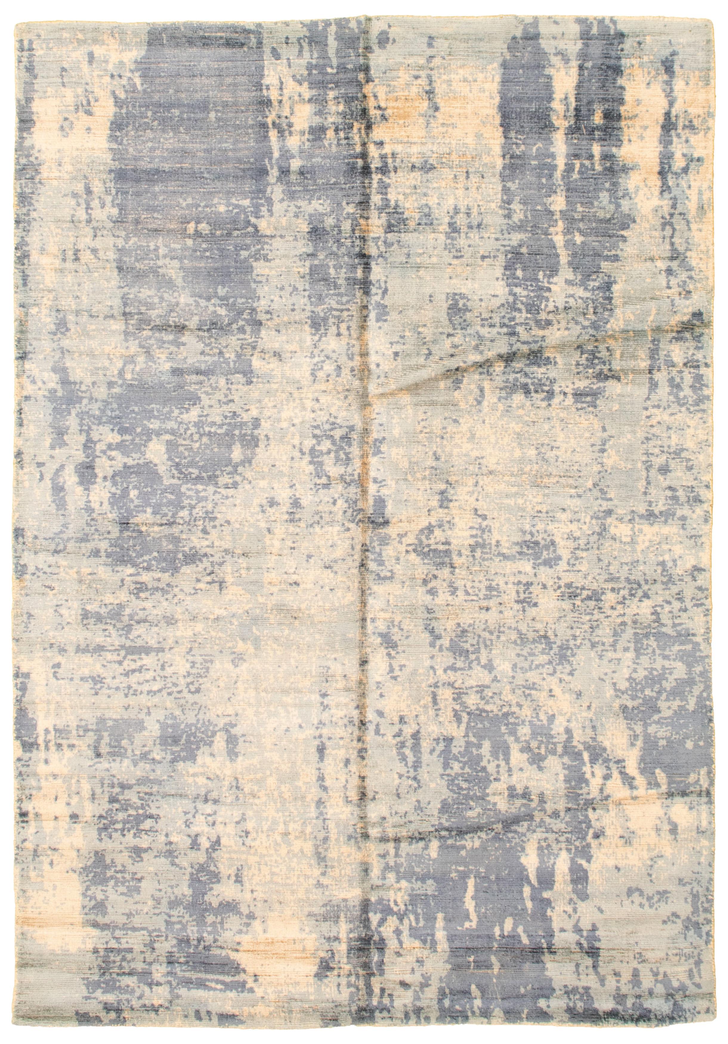 """Hand loomed Galleria Dark Navy, Light Blue  Viscose Rug 4'11"""" x 7'4"""" Size: 4'11"""" x 7'4"""""""