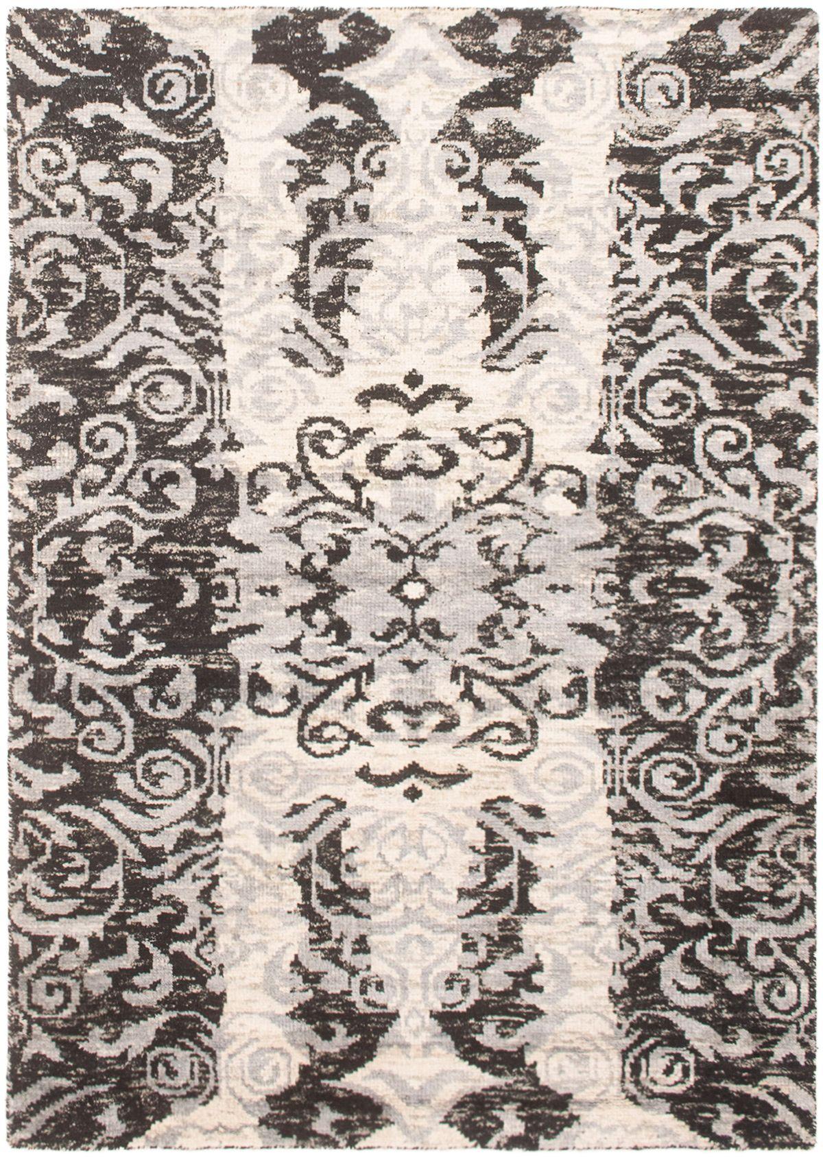 "Hand-knotted Sari Silk Black, Light Blue   Rug 5'6"" x 7'8"" Size: 5'6"" x 7'8"""
