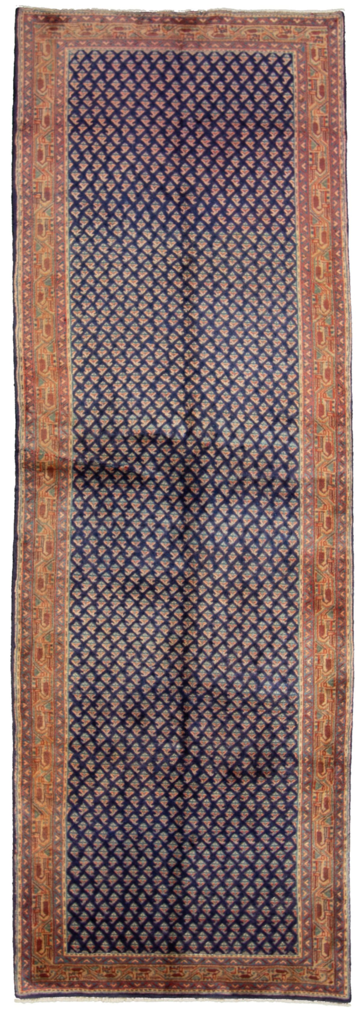 """Hand-knotted Arak Wool Rug 3'11"""" x 9'8"""" Size: 3'11"""" x 9'8"""""""
