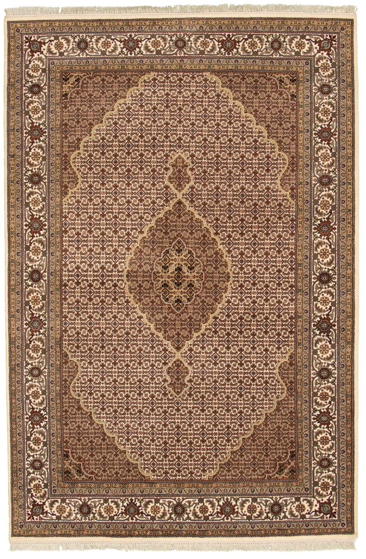 "Hand-knotted Tabriz Haj Jalili Cream Wool Rug 5'7"" x 7'9""  Size: 5'7"" x 7'9"""