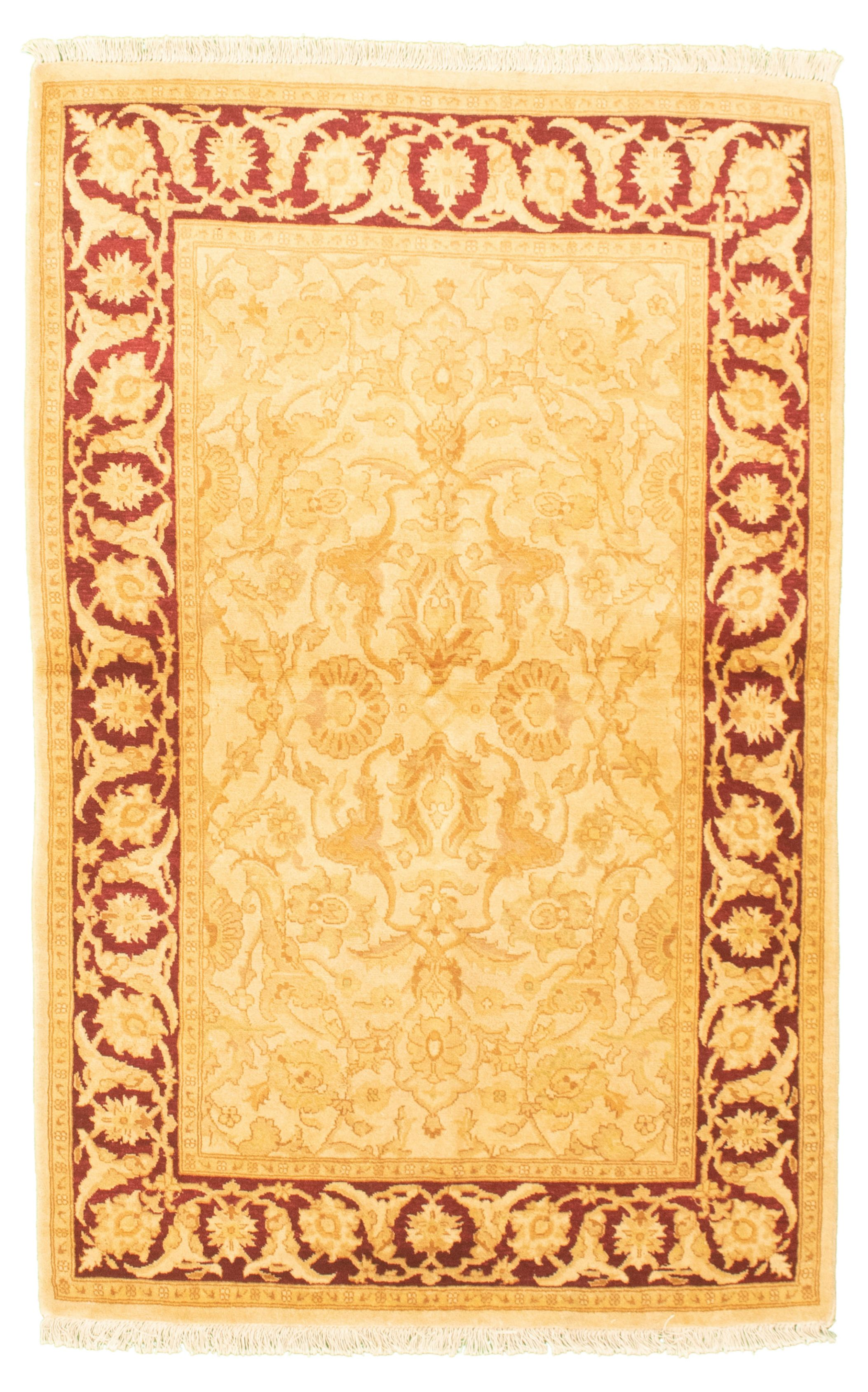 "Hand-knotted Pako Persian 18/20 Ivory Wool Rug 4'0"" x 6'3"" Size: 4'0"" x 6'3"""