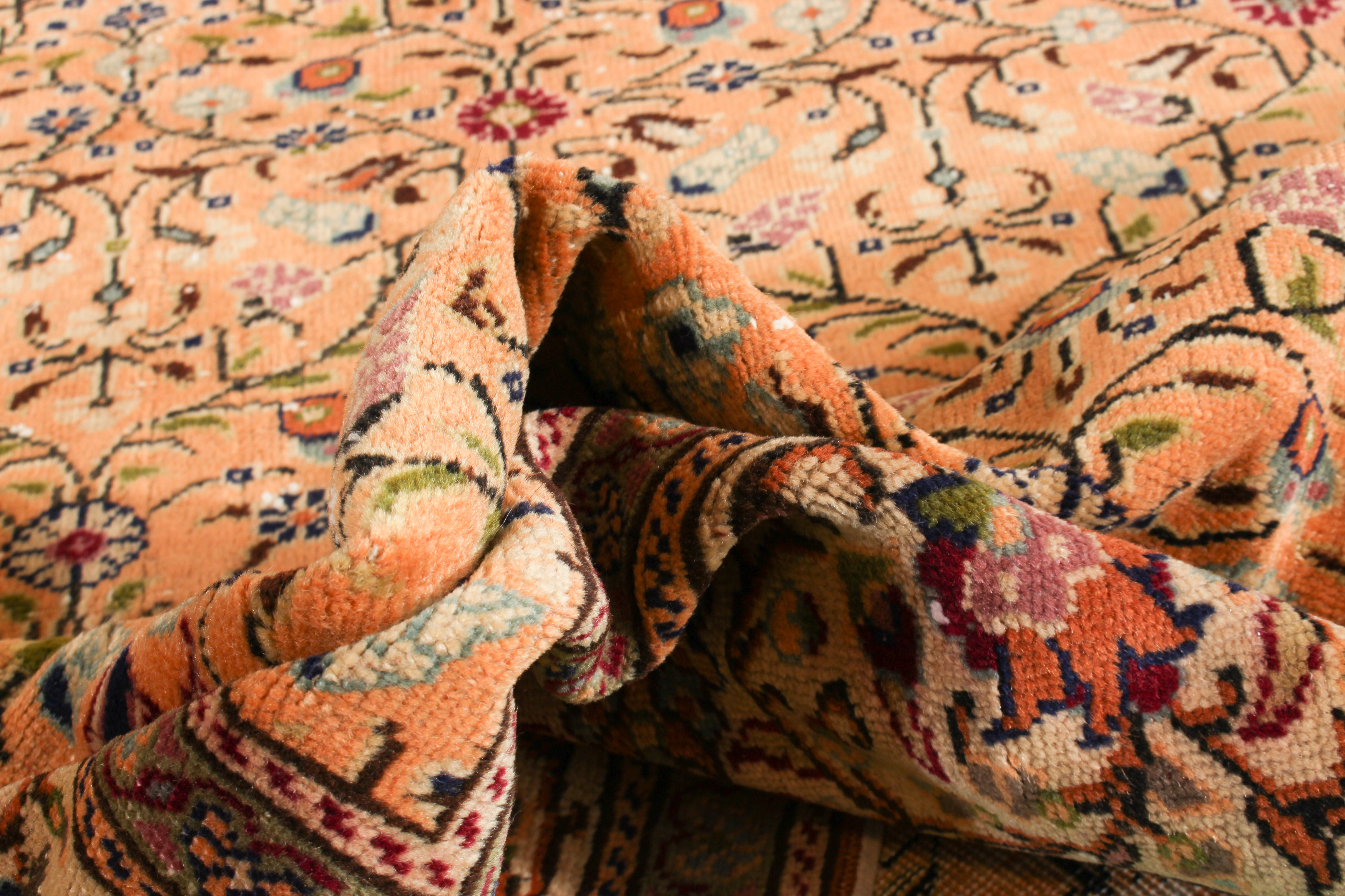 "Hand-knotted Keisari Vintage Ivory, Orange  Rug 6'8"" x 9'7"" Size: 6'8"" x 9'7"""