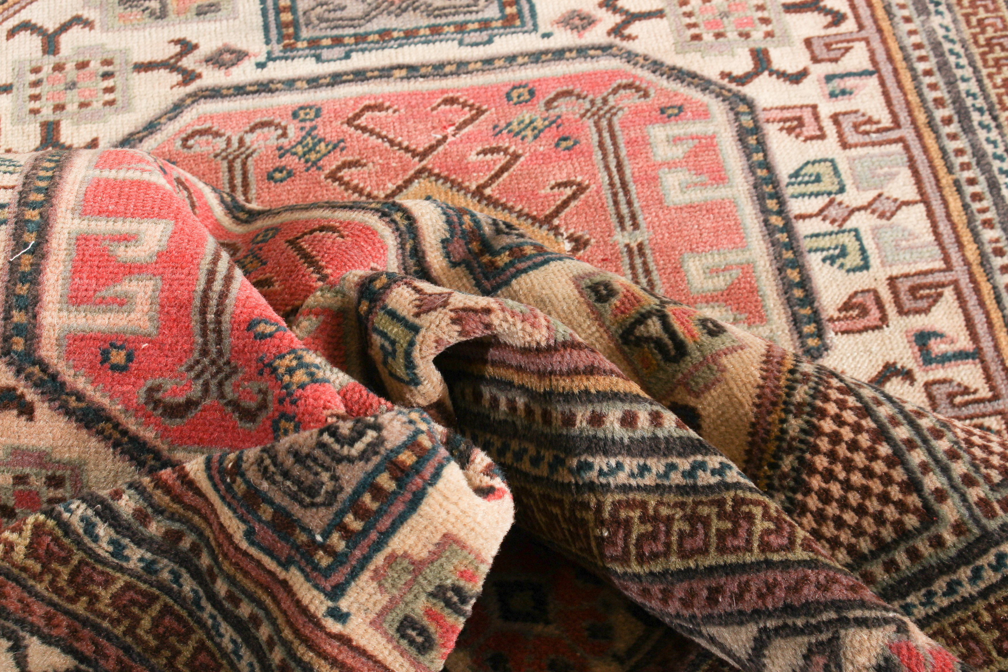 """Hand-knotted Keisari Vintage Blue, Ivory  Rug 4'9"""" x 7'5"""" Size: 4'9"""" x 7'5"""""""