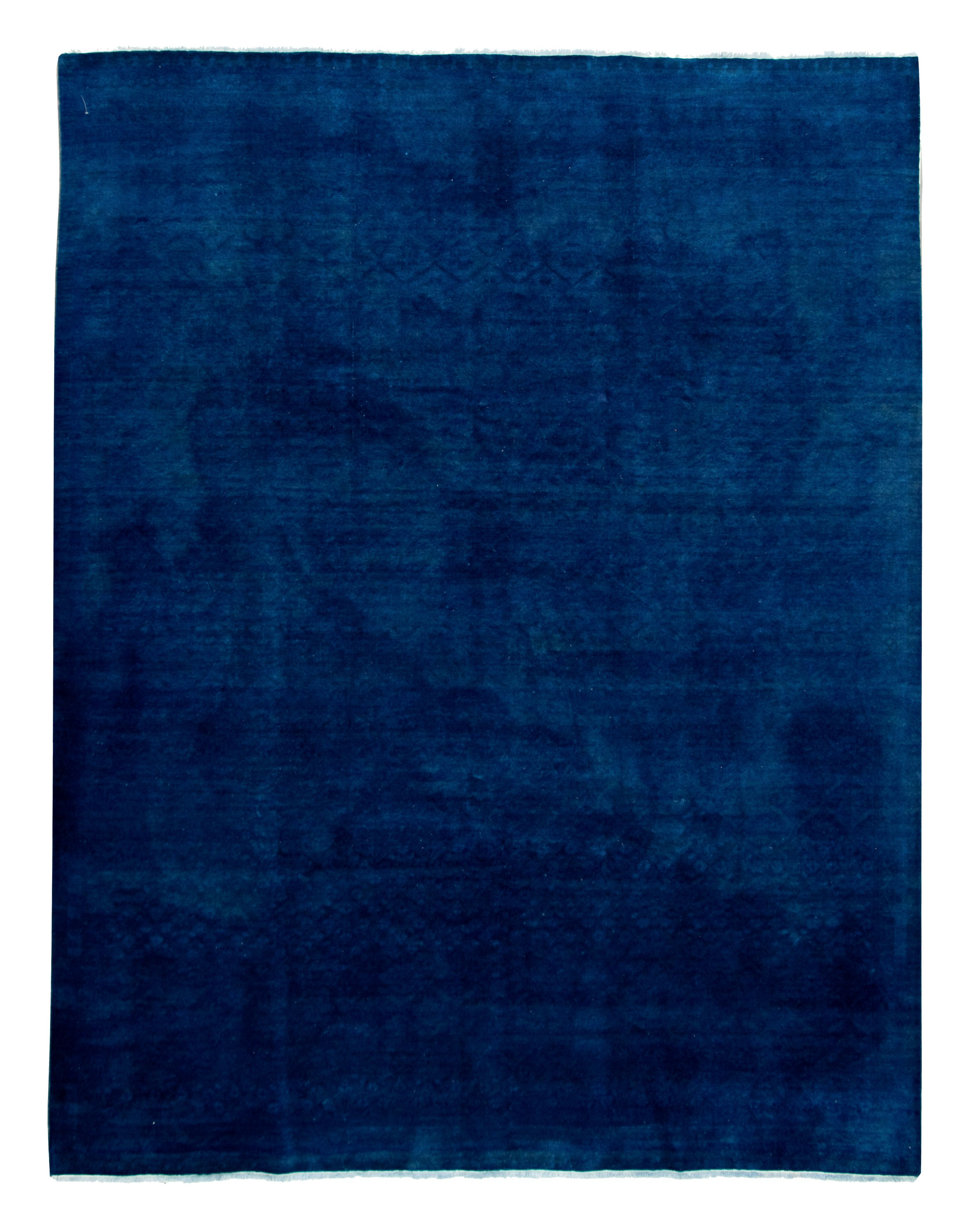 """Hand-knotted Color transition Dark Blue Wool Rug 9'1"""" x 11'8"""" Size: 9'1"""" x 11'8"""""""